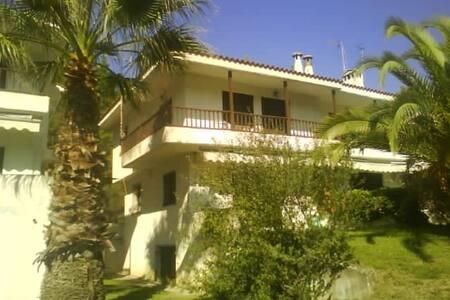 Τριώροφη εξοχική κατοικία Ελάνη Χαλκιδική - Elani