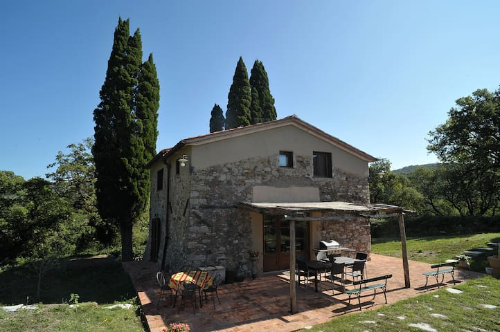 Farmhouse in the heart of the Tuscan hills - Calenzano - Maison