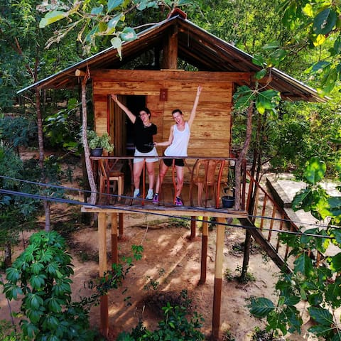 ANGRY BIRDS TREE HOUSE.view farmer - Habarana