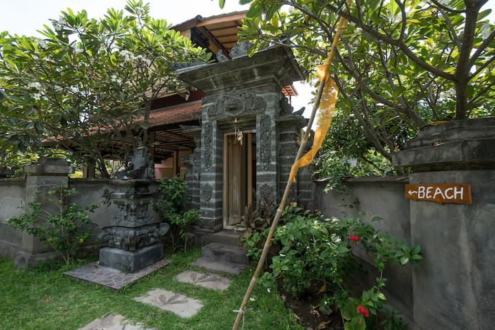 Pondok rahayu Buddha Double Bed