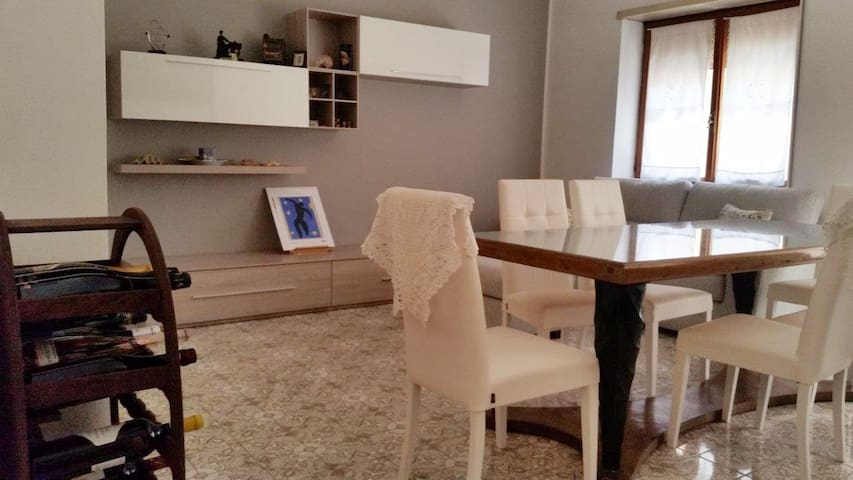 Double/single room in city center - Cassino - Lakás