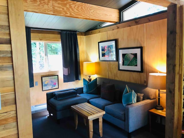 Treehouse Cottage cosy living room area