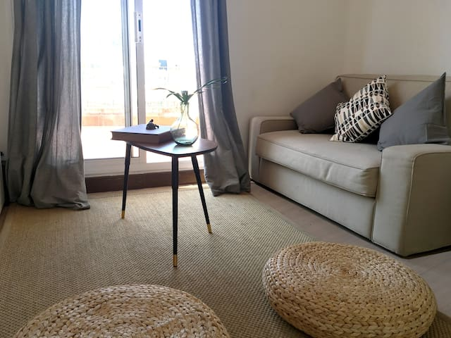 Charm flat with terrace in the centre of Barcelona - Barcelona - Flat