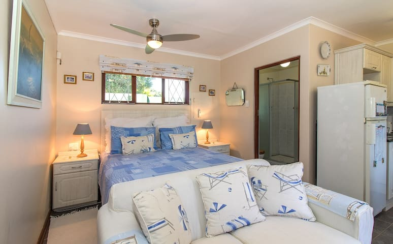 Dunwerkin Bachelor Flat 20 Bathurst Street - Kenton-on-Sea - Lejlighed