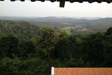 Tanglewoods - panoramic vistas - Madikeri - House