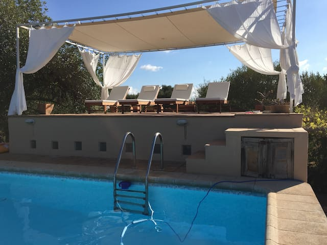 La Tortuga: ruhig gelegene Finca mit grossem Pool - Algaida - House