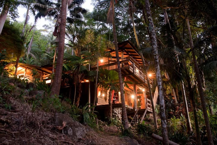 Currumbin Rainforest Tree- House - Currumbin Valley - Casa de camp