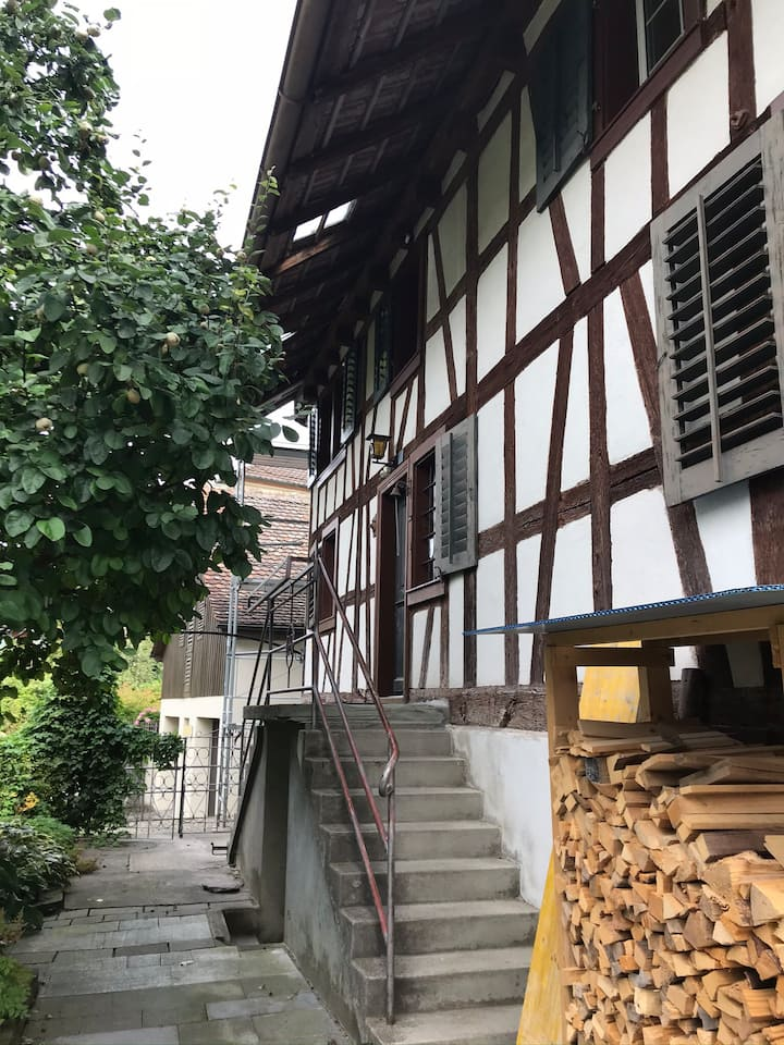 Gemütliches Zimmer in altem Haus