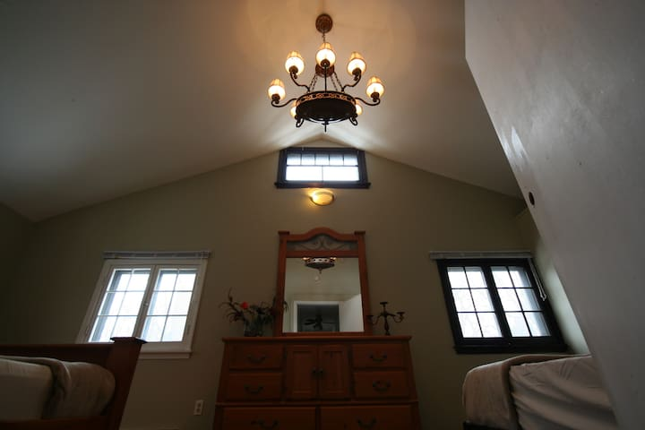 Crystal Beaching in Comfort - Fort Erie - House