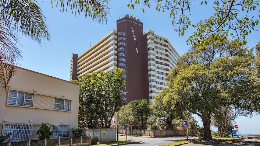 Skyline Beach Apartment