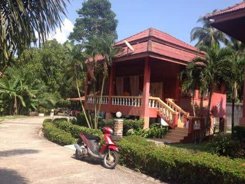 House for 2.3 persons. 5min from Thong sala center