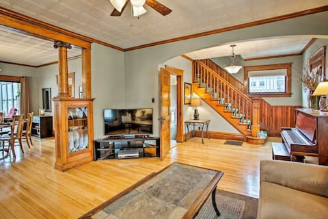 Updated Albert Lea Home By Fountain Lake & Main St