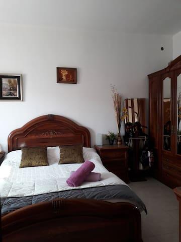 Bonita habitacion cerca de aeropuerto