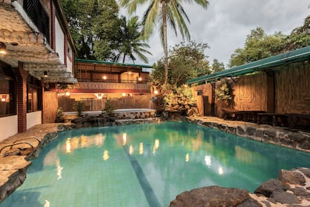 Ciudad Villa: Private Pool Exclusive for You! - Caloocan - Casa de camp