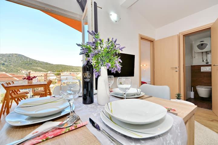 Luxury apartment Mario 2+2 & 50m to the beach