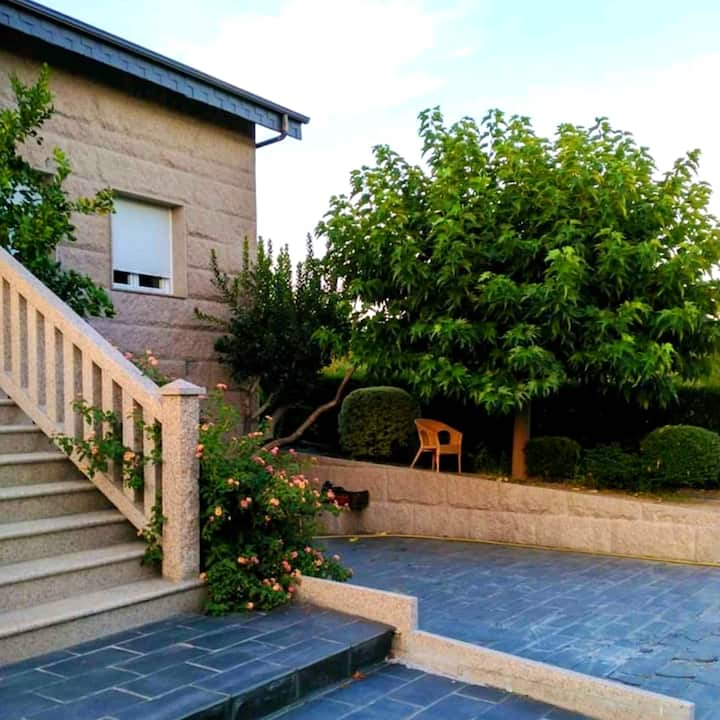 House with 3 bedrooms in Ourense, with WiFi - 70 km from the slopes