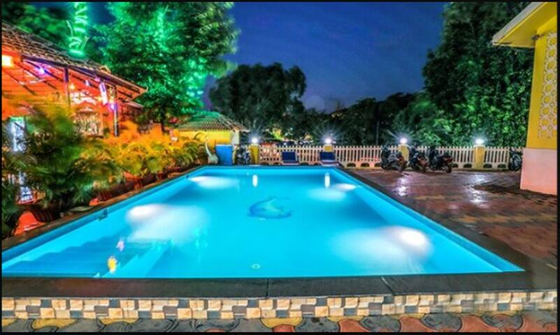 Cottage | Swimming Pool | Ready for your perfect Stay |0..5 km from Arpora Beach