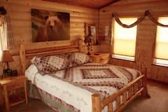 Rustic%2C+Unique%2C+Comfortable+Cabin