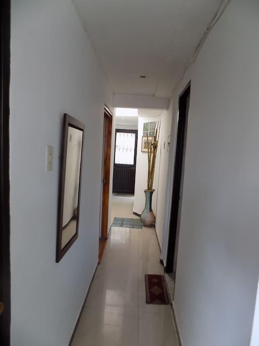 Pasillo/Hallway