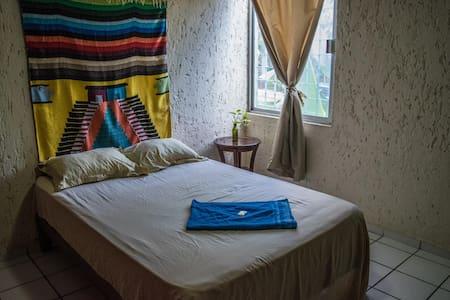Blogger's Abode B&B | Centro Cancun - Cancún