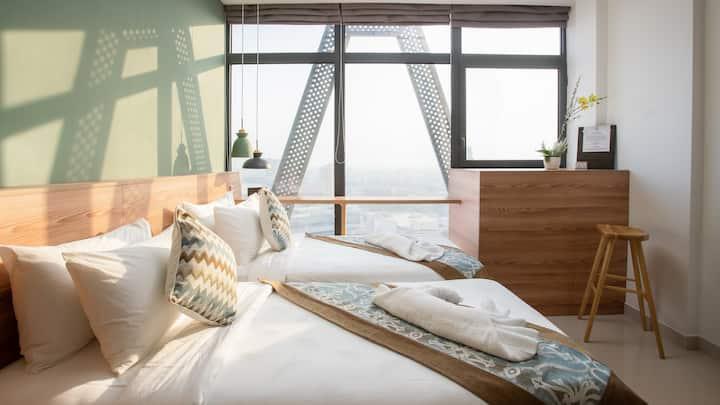 2min to NAGA Nordic style condo w amazing view