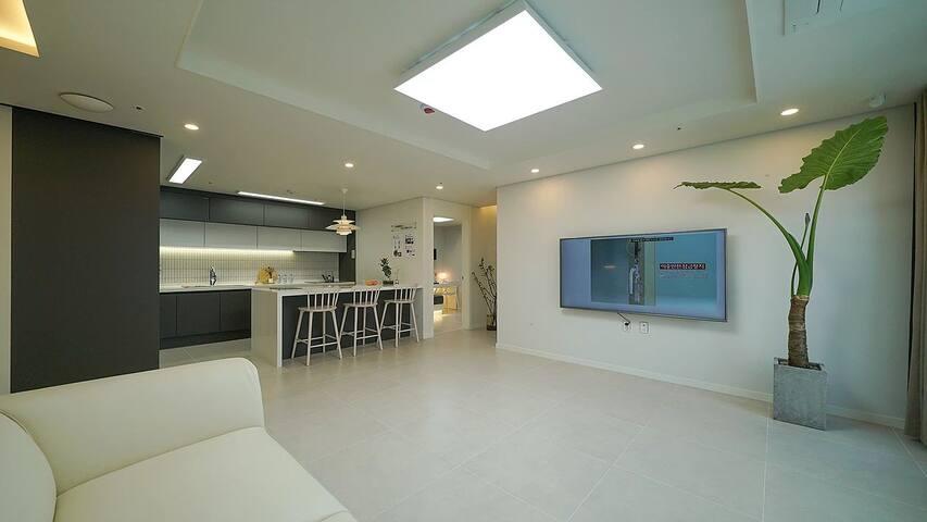 Private room.3mins ST. New built beatifull flat.