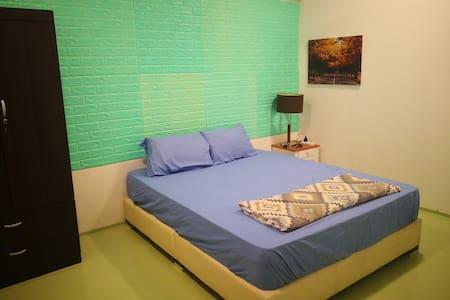 Monthly Room @ 430 pm SiLC Shophouse Iskandar GP