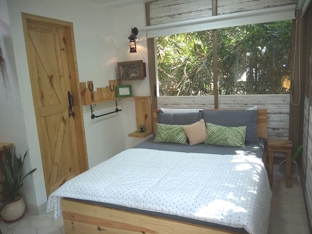 Private log themed nature lodge, close to airports