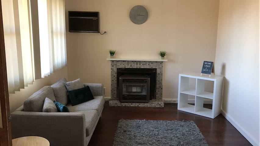 The Batten Residence (Your Home Away from Home) - Coolbellup - House