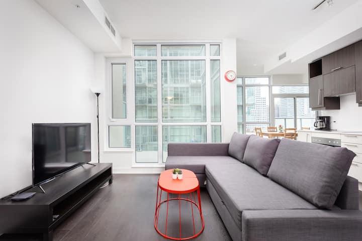 Floor to Ceiling Windows w/ FREE PARKING