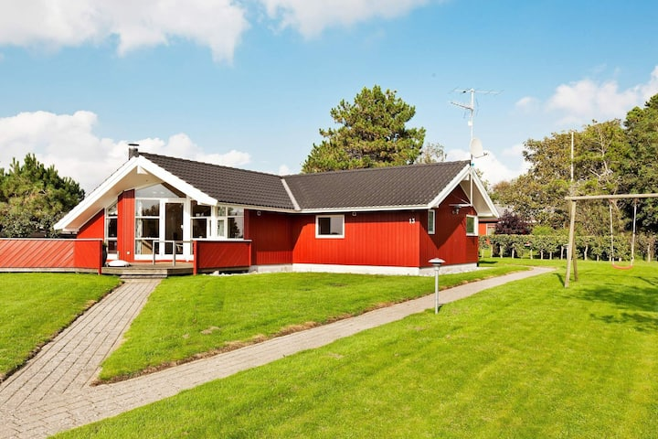 Modern Holiday Home in Slagelse with Whirlpool