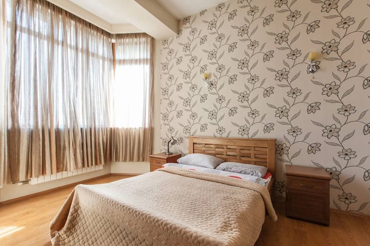 Luxe flat on Virsaladze st. for 2p. - Tbilisi - Apartamento