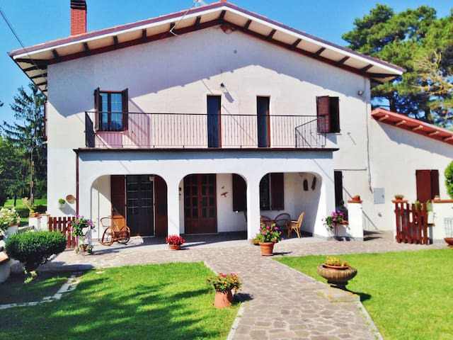 B&B Villa Incrocca - Cerreto D'esi - Bed & Breakfast