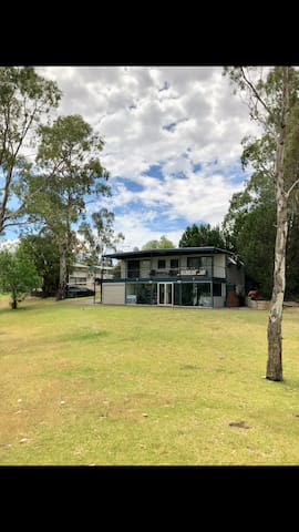 Lake Carlet's premium location on the Murray