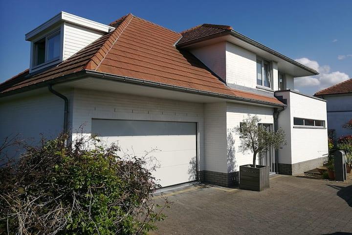 Vakantiehuis (villa 6p) Adinkerke - De Panne