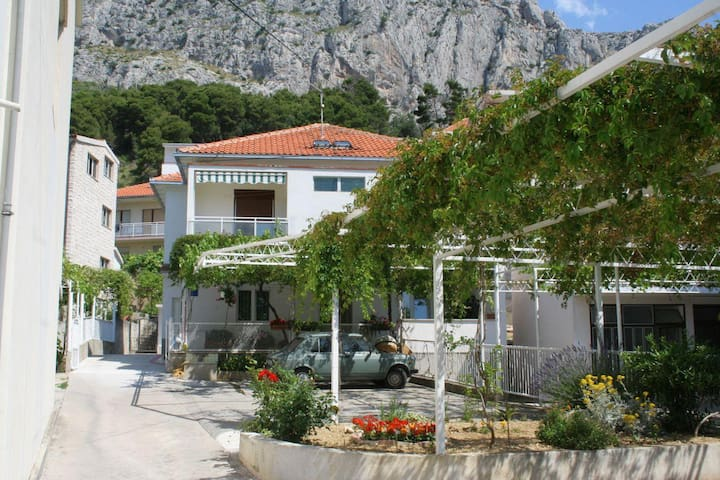 Studio flat with terrace Omiš (AS-2745-a) - Omiš - Other