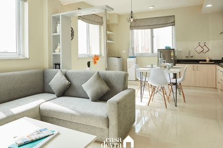Breezy suite @Jhamel 3BHK apartment by Casa Deyra