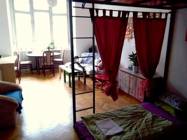 Room room room