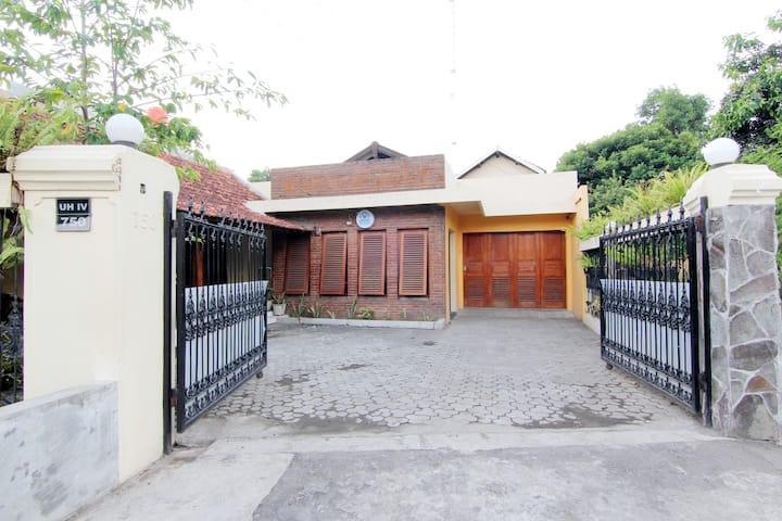 W House Ndalem Warungboto