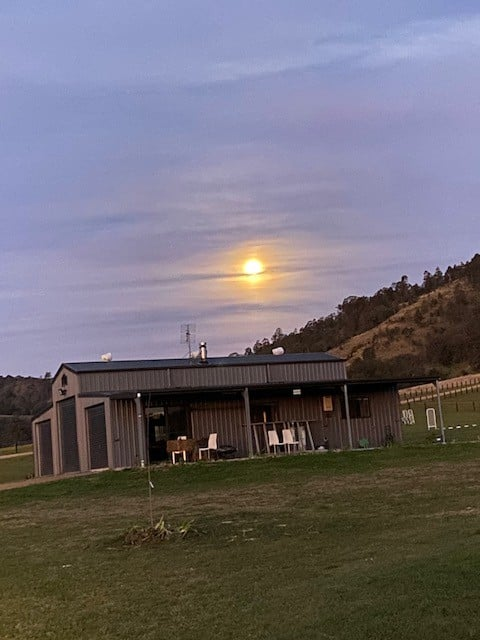 Torryburn farm stay Meadows lodge