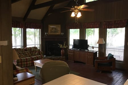 3 Bedroom Chalet in Beautiful Pine Mountain, GA