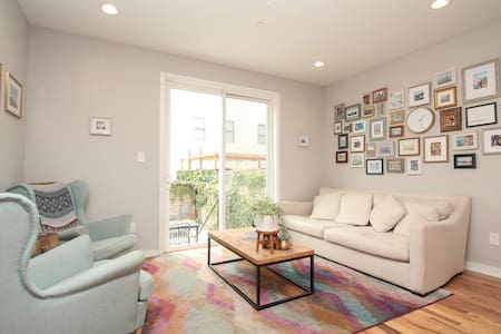 Bright & Beautiful! Rooftop+Patio! Sleeps 12!