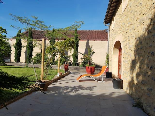 Gîte Esprit TURSAN, GEAUNE, 6km Eugénie les Bains
