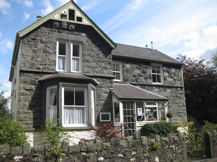Plas Celyn for 3 or 4 guests
