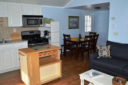 2 BR Beach House Steps to Beach! - Salisbury