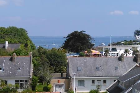 50m2 superbe vue mer à 200m de la plage