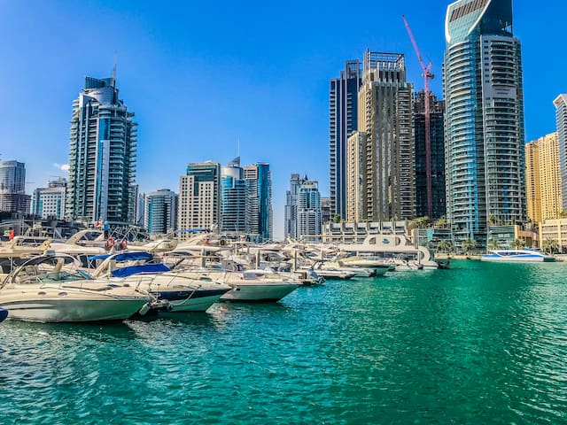 Dubai Marina - Full Apartment with baby cot