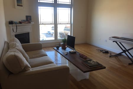 Beautiful apartment with fireplace - 윈체스터 - 아파트