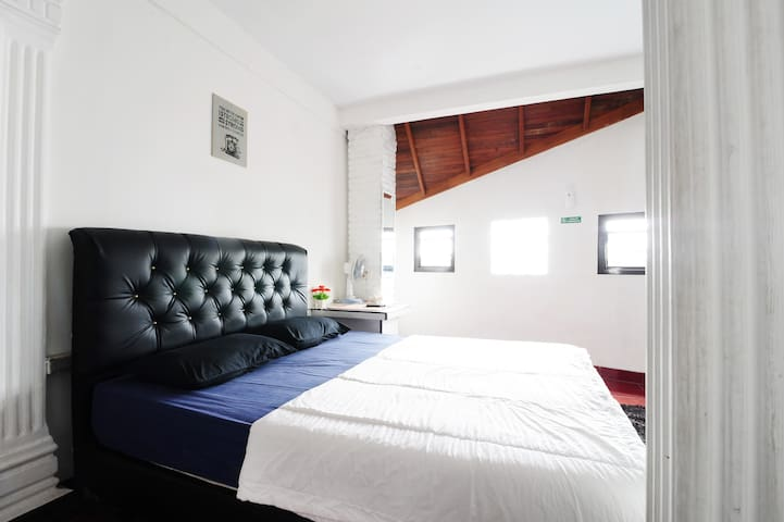 Private Room Backpacker Hostel at city center : B1