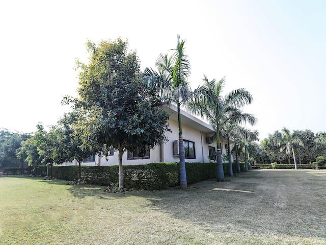 4BHK Spacious Farmhouse in Gurugram-Marked Down!